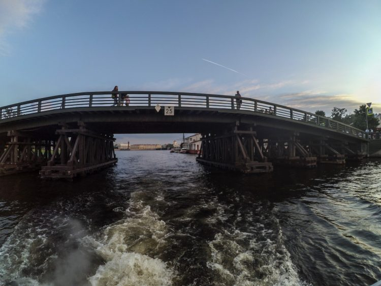 Kronverksky Bridge